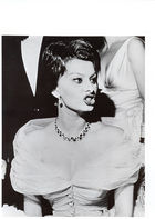Bruno Bernard / Bernard of Hollywood, ◊ Sophia Loren