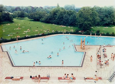 Andreas Gursky, Schwimmbad Ratingen, 1987